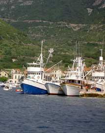 Komiza yacht charter