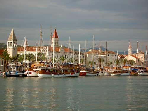 Trogir yacht charter